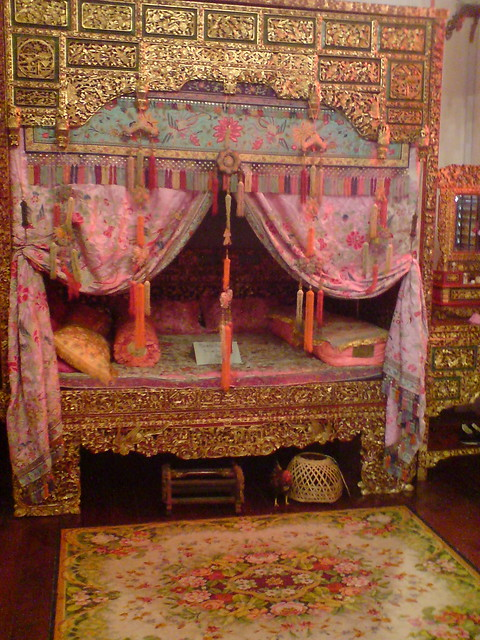 First generation chinese wedding bed inside peranakan for Asian wedding bed decoration ideas