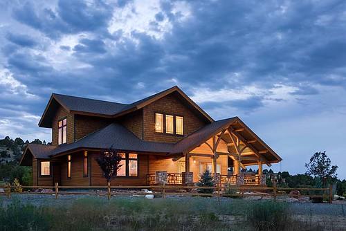Distinct Western Elegance Timber Frame Home Exterior Clo