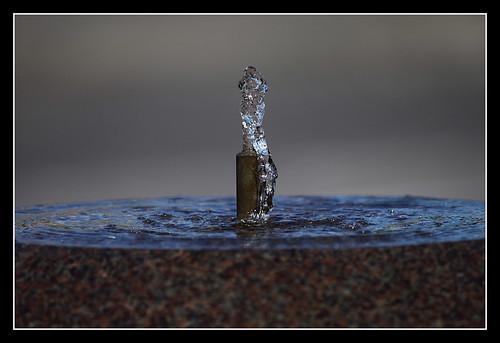 lund macro reflection water fountain frozen drops sweden refraction sverige waterdrops canonef100400mmf4556lisusm