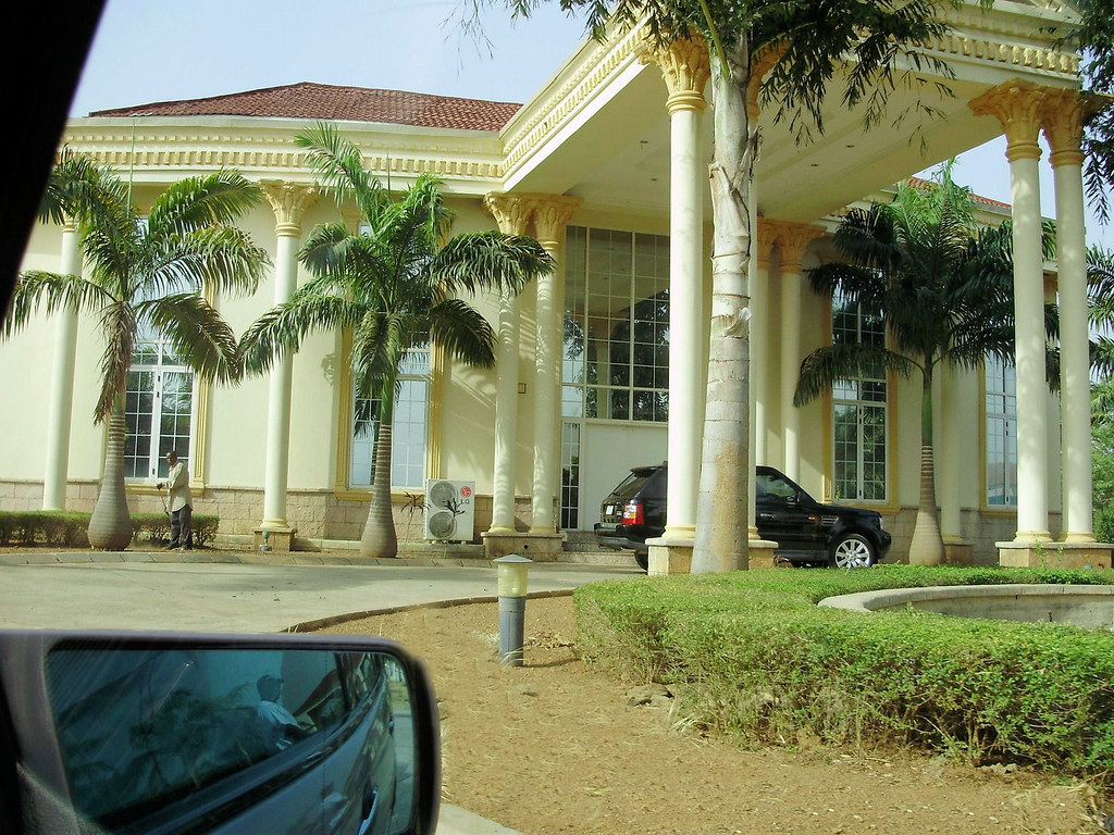 African beautiful mansions for Nigeria houses pictures