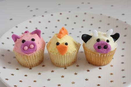 animal farm cupcakes