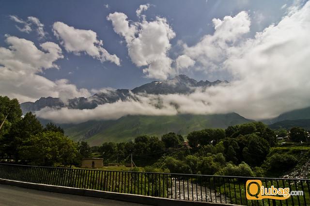 Panorama gór w Gruzji, Kazbegi
