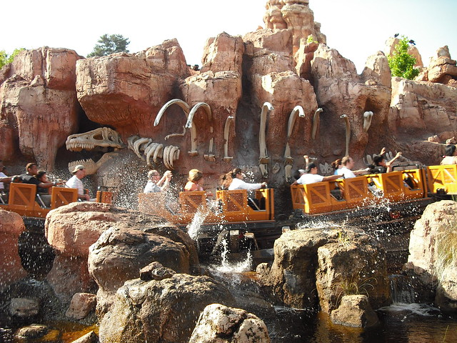PirateTinkerbell: Big Thunder Splashdown from Flickr