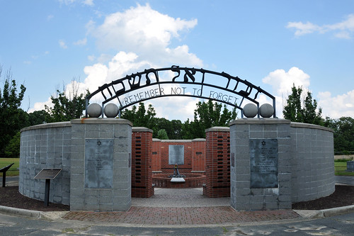 holocaust nikon jewish remembrance holocaustmemorial alliance vineland 1755 d300 alliancecemetery