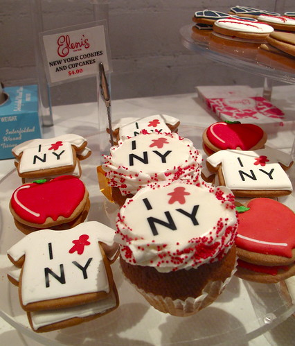 I baby NY!  Cupcakes and Cookies.