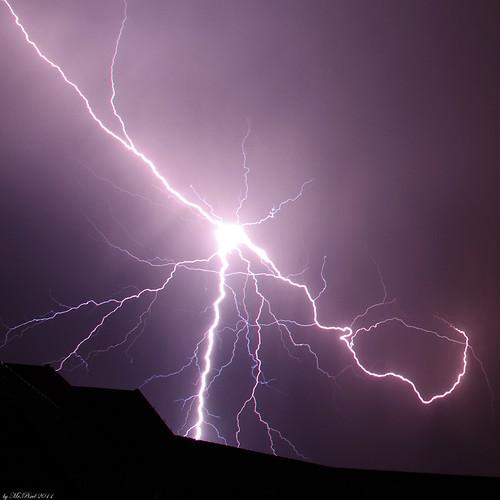 thunderstorm lightning blitz gewitter crawler cloudsstormssunsetssunrises