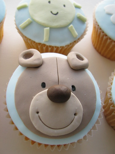 BABY BIRTHDAY CUPCAKES, CUTE KID'S DESSERTS WITH TEDDY ...