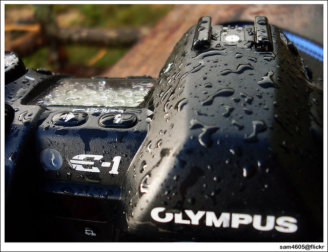 Olympus E-1 + splashproof