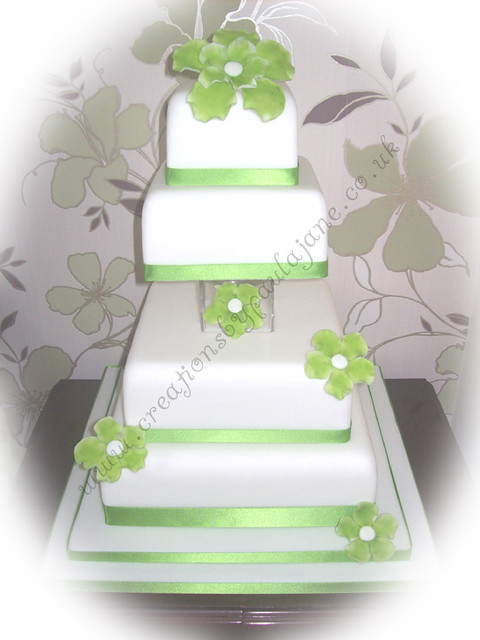Vase Separated Wedding Cake Pictures 14