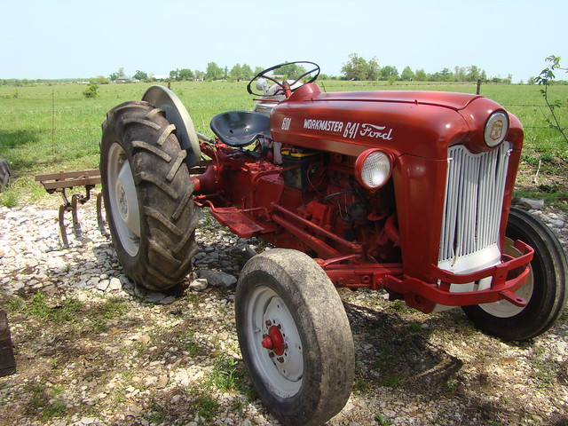 1960 Ford Tractor 601 : Ford workmaster
