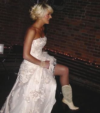 Wedding Dresses With Cowgirl Boots 117