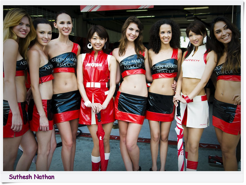 Japan GT - Girls and cars ...vote for the best girl :)
