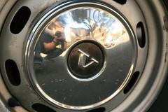 automotive tire(0.0), automotive exterior(0.0), automotive design(0.0), mini(0.0), steering wheel(0.0), bumper(0.0), spoke(0.0), tire(1.0), wheel(1.0), rim(1.0), alloy wheel(1.0), hubcap(1.0),