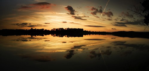 sunset lake reflection water leicestershire reservoir swithland