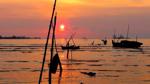 sunset sea mer water indonesia rouge boat asie bateau indonesie batam aplusphoto platinumheartaward celedena