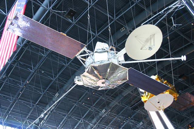 Mariner 10 | First spacecraft to use the gravitational ...
