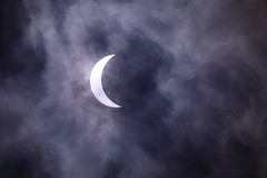 cloud(1.0), moon(1.0), celestial event(1.0), eclipse(1.0), sky(1.0), crescent(1.0),
