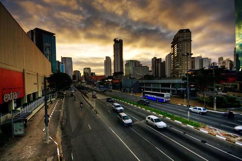 street city morning brazil dawn traffic sãopaulo hdr sigma1020mmf456exdchsm johanklovsjö avenidajuscelinokubitschek