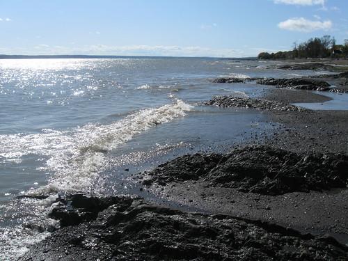 canada river wave shore channel lîledorléans stlaurentsriver capitalenationale saintjeandel'îled'orléans lafleurshore chenaldesgrandsvoiliers