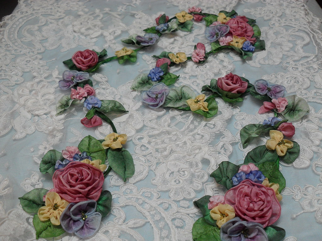 Ribbon flower Garland