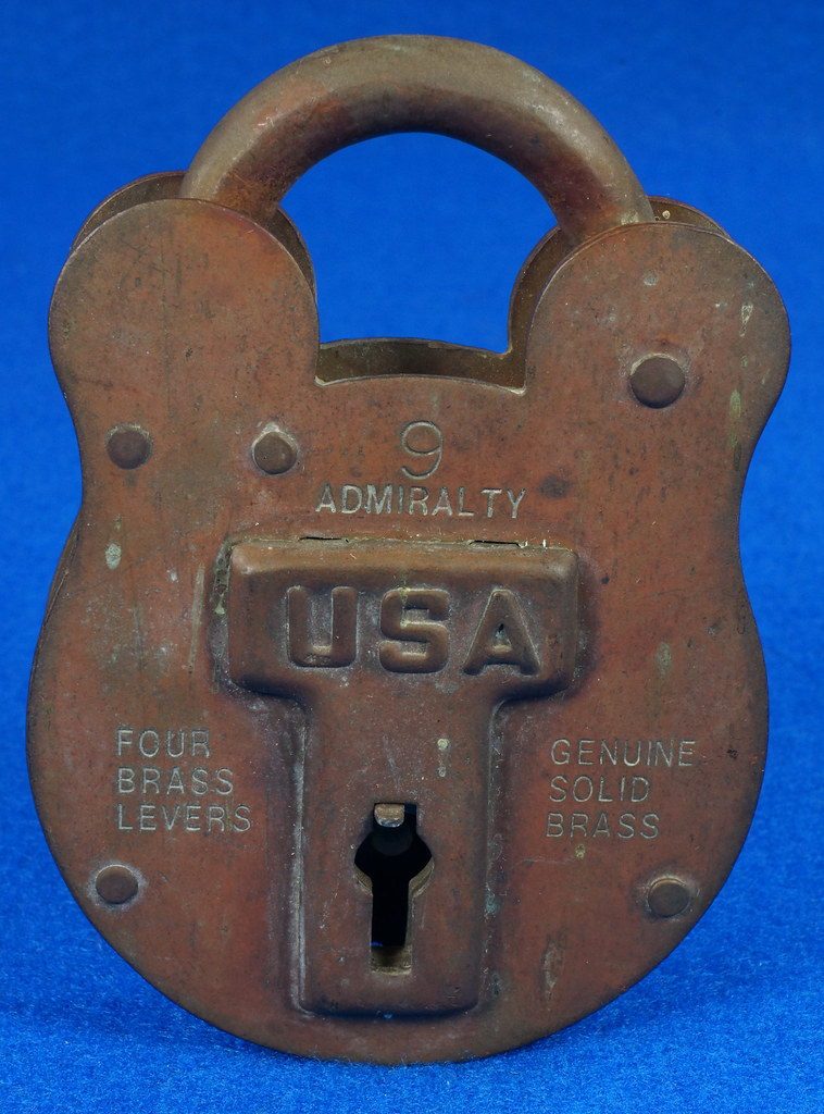 RD15222 Admiralty 4 Lock USA 4 Brass Levers DBC Lock Co LTD 004-02-01 Steampunk DSC08833