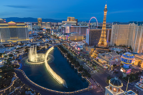 lasvegas nevada bellagio fountain cosmopolitan paris ballys caesarspalace flamingo strip bluehour sunset dusk twilight aerial city cityscape night hotel highroller