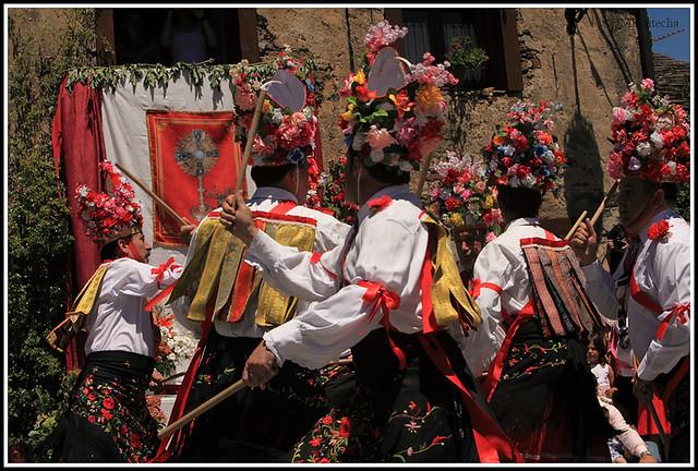 JMF117314 - Danza de paloteo en la plaza