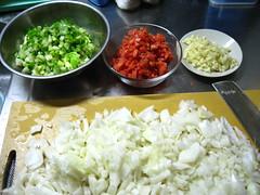 野菜をきざみます