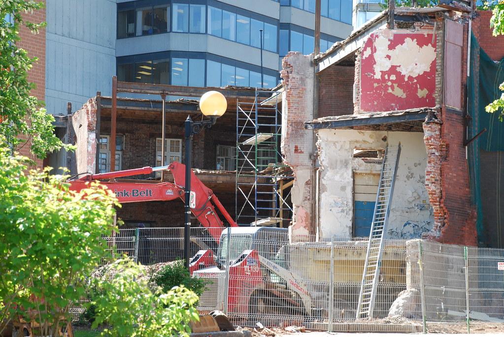 Gatineau hopes to rebuild hotel chez henri brick by for Chez brick meuble quebec