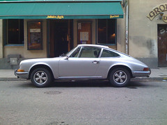 convertible(0.0), automobile(1.0), automotive exterior(1.0), wheel(1.0), vehicle(1.0), performance car(1.0), porsche 912(1.0), porsche(1.0), porsche 911 classic(1.0), porsche 930(1.0), land vehicle(1.0), luxury vehicle(1.0), coupã©(1.0), sports car(1.0),