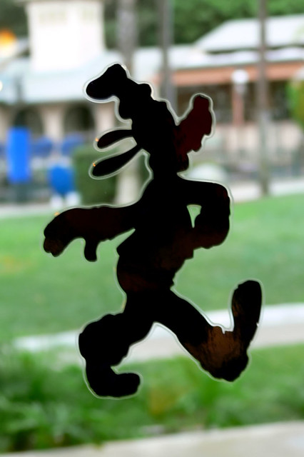 Disneyland Hotel  Goofy Silhouette