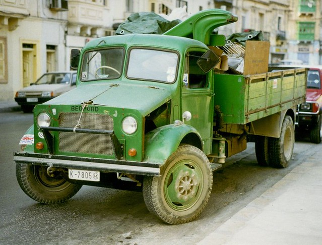 Bedford lorry K-7805 complete with Hiab type crane - Malta