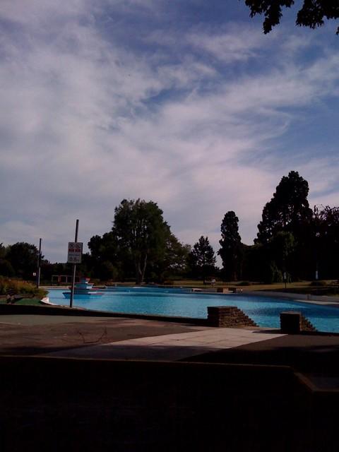 Aldershot lido aldershot lido see where this picture was flickr photo sharing for Aldershot swimming pool burlington