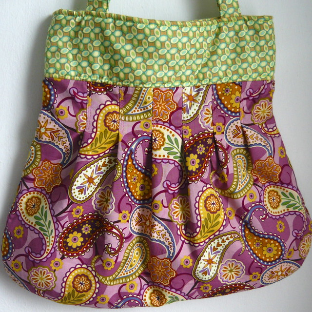 Pretty Pleated Bag - Flock of Paisley Mauve Design