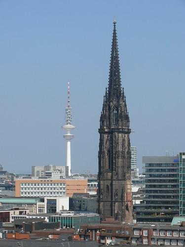 Kirche und Funkturm