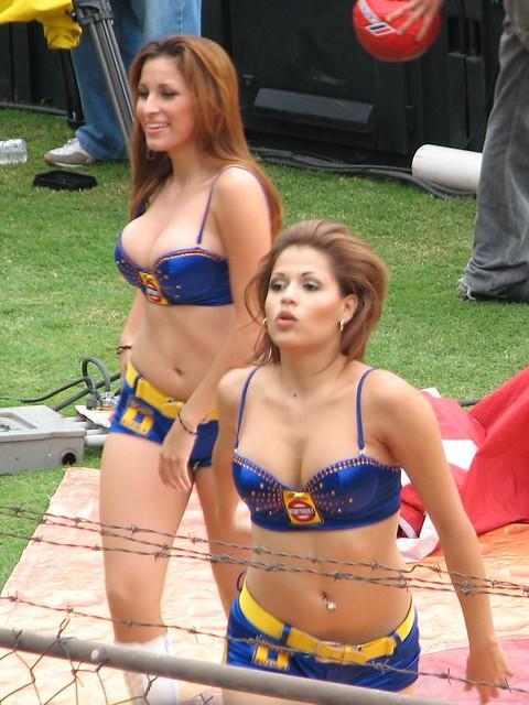 Tigres Vs Monterrey >> Las Chicas Cemento Monterrey   Flickr - Photo Sharing!