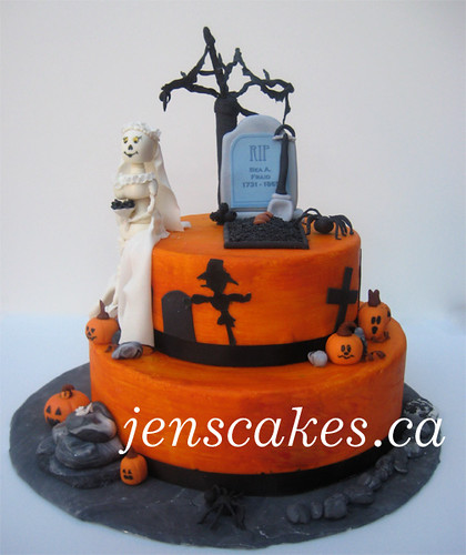 Halloween Cemetery Cake http://www.flickr.com/photos/28417871@N08/4008869593/