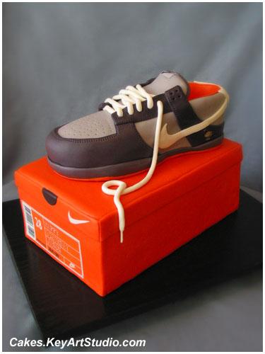 Nike Sneaker / Running Shoe on the Box Cake Flickr ...