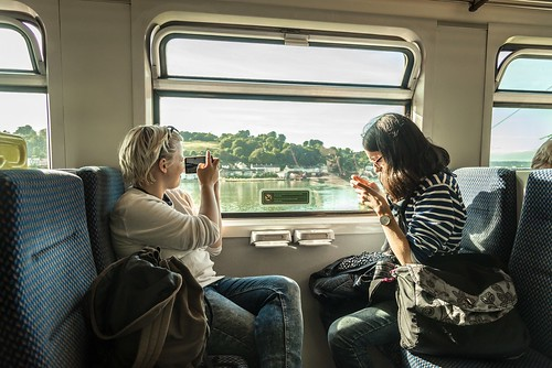 carrigaloe ireland republicofireland cobh branch iarnródéireann irishrail class2600 railcar dmu dieselmultipleunit railway train window passengers 201609154237101