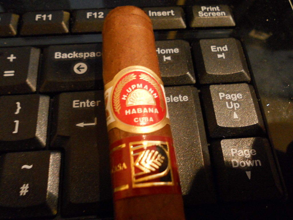 The H. Upmann Noellas Band