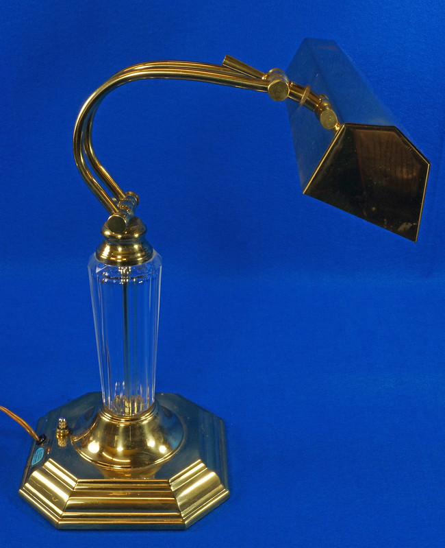 RD15252 Vintage Brass & Lucite Bankers Desk Piano Portable Lamp Light 3-Way Adjustable Arm DSC08725