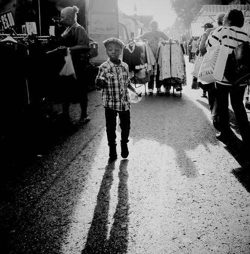street uk england people urban blackandwhite bw blancoynegro monochrome mono blackwhite strada shadows noiretblanc britain candid markets streetphotography highcontrast streetportrait streetlife londres shadowplay contrejour decisivemoment londonlife streettheatre streetphotographer streetfoto steppingout blackwhitephotos scattidistrada
