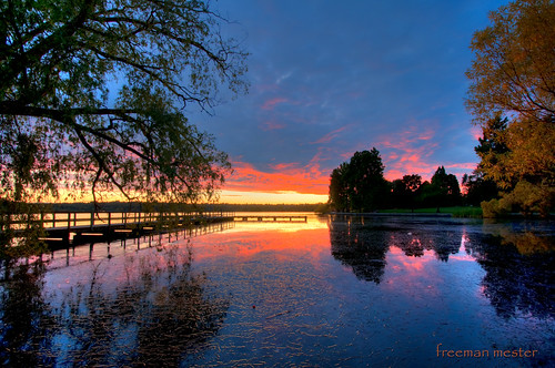 seattle pink blue sunset red reflection tree water colors dock nikon wideangle greenlake hdr 10mm d90 3xp 1024mmf3545g