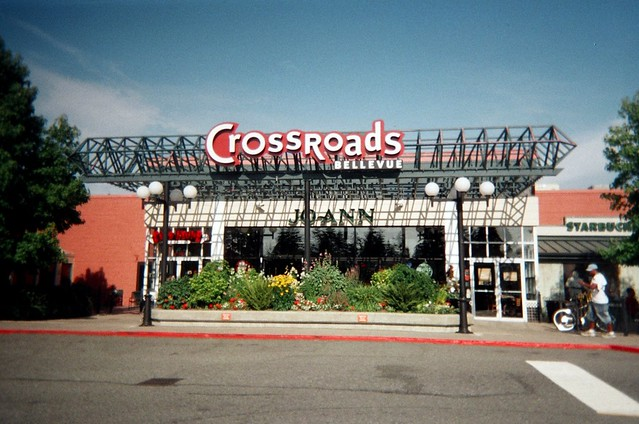Crossroads Mall, Bellevue | It was 103 degrees this day ...