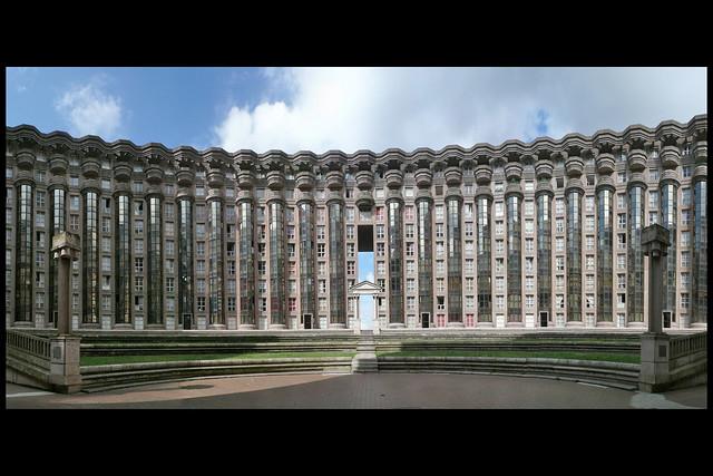 Fr noisy le grand woningbouw les espaces d abraxas theatre for Architecture noisy le grand