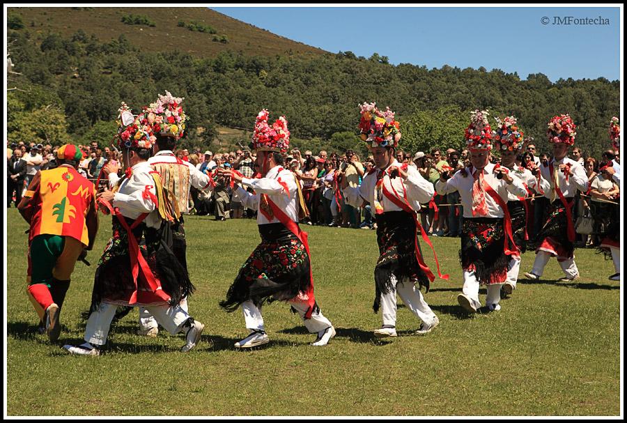 JMF117219 - Danza en honor al Santísimo