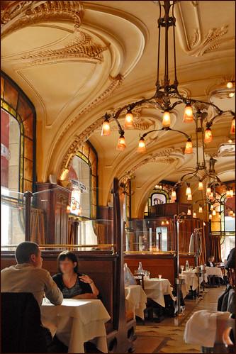 L'intérieur de la brasserie Excelsior (Nancy)