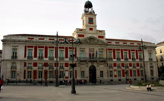 Real casa de correos puerta del sol madrid flickr for Real casa de correos madrid