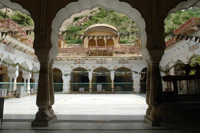 Templo de los monos de Jaipur Galwar Bagh, el templo de los Monos de Jaipur - 4171806151 09a24d808d z - Galwar Bagh, el templo de los Monos de Jaipur