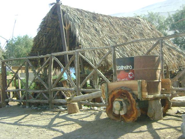 Muebles rusticos de troncos carreta con ruedas de - Muebles con troncos ...